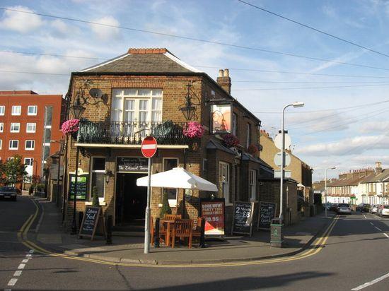 Estcourt Tavern