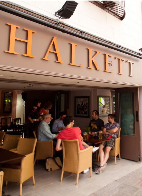 Halkett Pub & Eating House