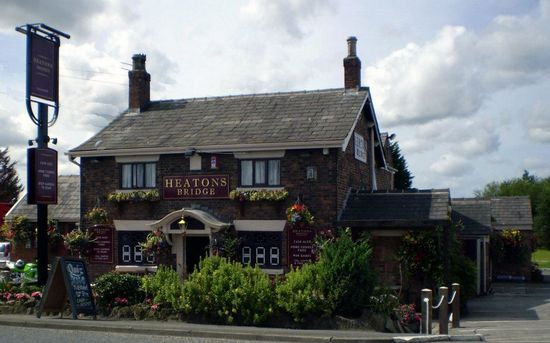 Heatons Bridge Inn