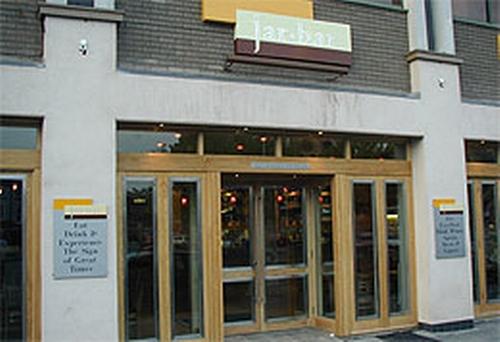 Mandarina Bar & Kitchen