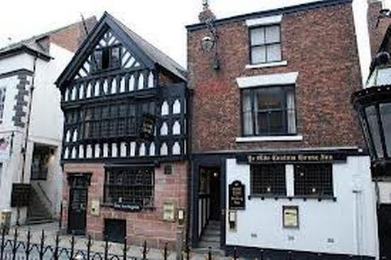 Ye Old Custom House Inn