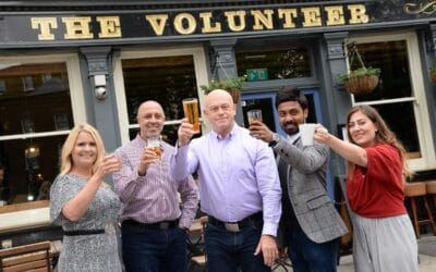 Thousands of British pubs will 'Cheers' Volunteers